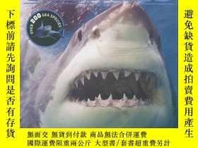 二手書博民逛書店Sharks罕見Encyclopedia: Discover T