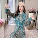 VK精品服飾 韓系polo領拼接針織淑女燈芯絨碎花長袖洋裝
