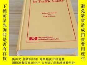 二手書博民逛書店Human罕見Factors in Traffic Safety