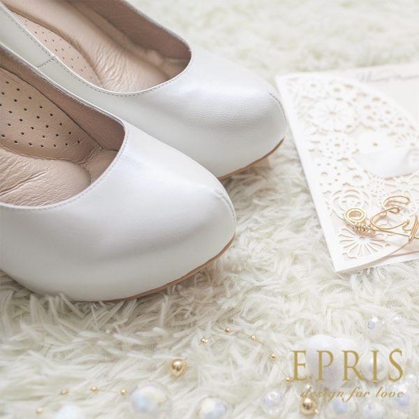 現貨 MIT小中大尺碼圓頭高跟鞋推薦 飛羽女神 內增高羊皮高跟鞋 21-25.5 EPRIS艾佩絲-浪漫白