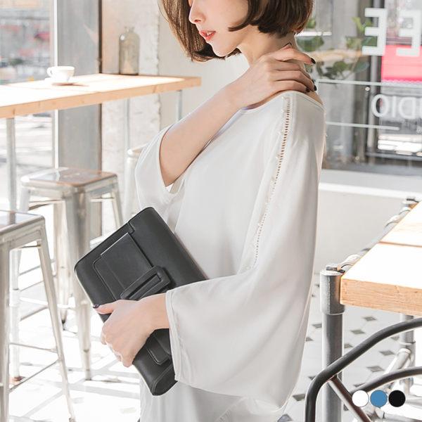 OB嚴選《AB2248-》素面鏤空蕾絲珍珠點綴蝙蝠袖長版寬鬆雪紡上衣.3色--適 S~L