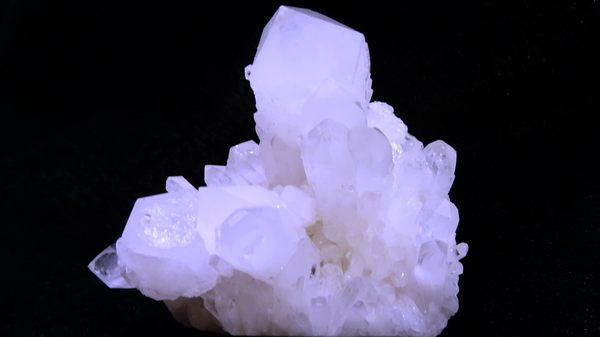 【Ruby工作坊】NO.371WNA優質天然白水晶簇(加持祈福)371G送木架