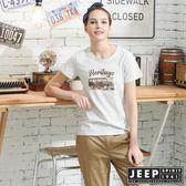 【JEEP】女裝吉普車轉印圖騰圓領短袖T恤-灰白色