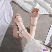 【Bbay】 楔型涼鞋 涼鞋 坡跟 厚底 鬆糕 一字扣帶 女鞋