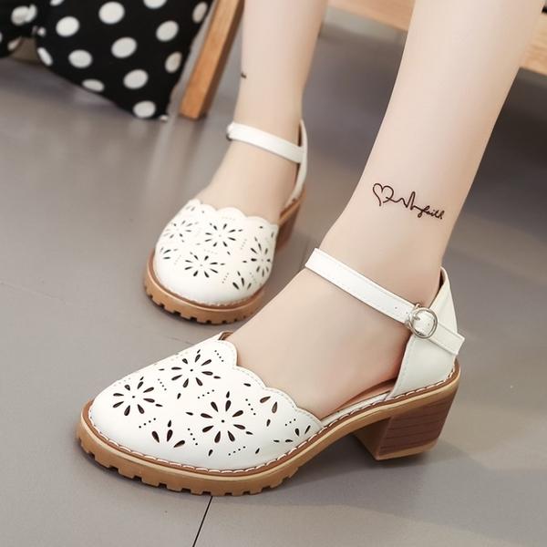 低跟鞋 百搭鏤空包頭涼鞋女夏圓頭粗跟一字扣帶韓版學生低跟中空單鞋女鞋