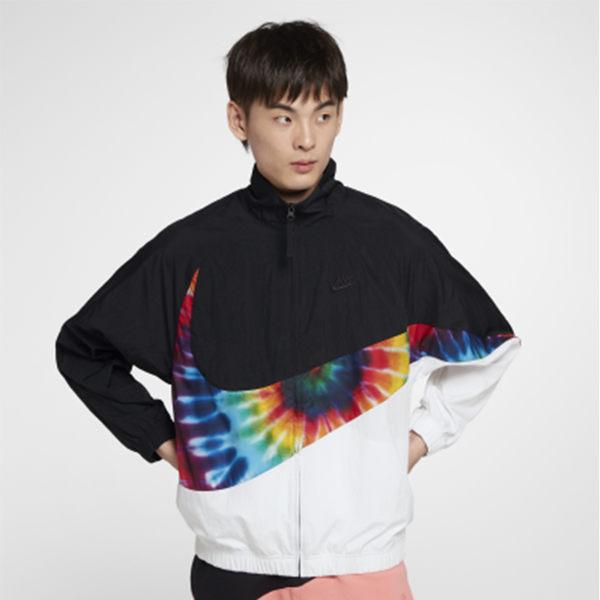 【折後$3099】▶NIKE SPORTSWEAR SWOOSH Jacket 黑白 彩虹大勾 運動 風衣外套 CI9596-010