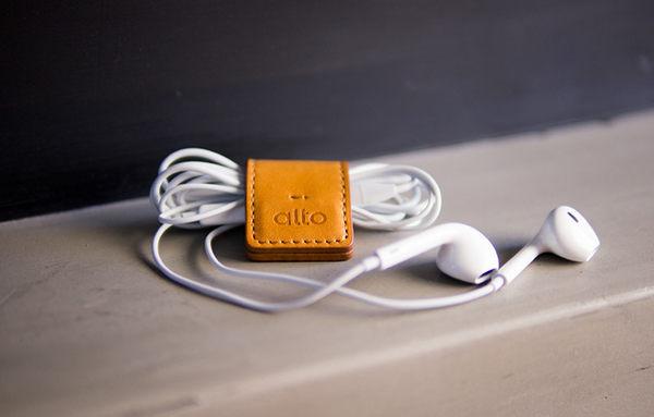 多功能皮革磁鐵夾 Smart Holder - 淺棕色 LightBrown 鈔票夾、磁鐵鑰匙圈、集線器、書籤