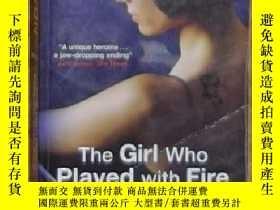 二手書博民逛書店英文原版罕見The Girl Who Played with F