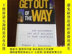 二手書博民逛書店JUST罕見GET OUT OF THE WAYY17030