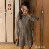 洋裝冬季新款韓版學院風洋氣顯瘦針織裙學生寬鬆百搭長袖百褶洋裝女 琉璃美衣