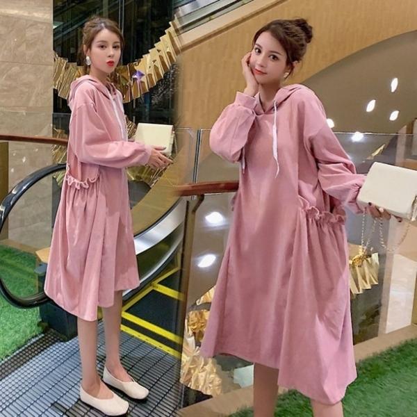 漂亮小媽咪 韓系 連帽 寬鬆 口袋洋裝 【D5887】 燈蕊絨 孕婦 長袖 孕婦 孕婦連衣裙
