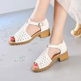 粗跟涼鞋 女一字扣露趾魚口鞋【多多鞋包店】z2120