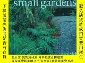 二手書博民逛書店Practical罕見Small GardensY121218