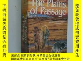 二手書博民逛書店The罕見Plains of PassageY85718 Jea
