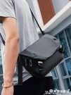 郵差包 馬可萊登2021新款側背包男士包包潮牌斜背包休閒郵差包工裝小挎包 愛麗絲