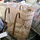 韓版森系蕾絲側背包手提包女大容量水桶購物袋【時尚大衣櫥】