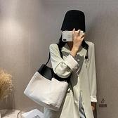 單肩包女大容量拼接帆布包女水桶包手提包【愛物及屋】