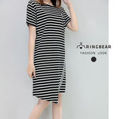 休閒洋裝--韓版休閒風H型布徽章黑白條紋不規則下襬短袖洋裝(黑XL-2L)-D487眼圈熊中大尺碼