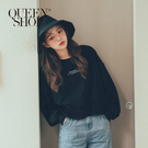 Queen Shop【01110423】簡約字母短版衛衣 兩色售*現+預*