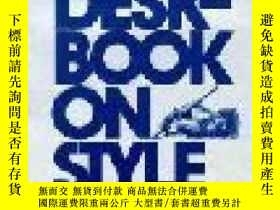 二手書博民逛書店The罕見Washington Post Deskbook On StyleY307751 Thomas W.