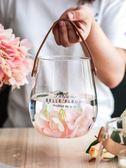 川島屋 北歐創意玻璃花瓶皮革手提簡約花器家用臺面花瓶擺件HP-24『摩登大道』