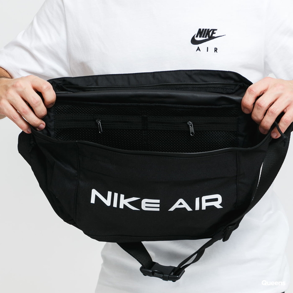 NIKE大腰包 Air Tech Waist Bag 黑色側背腰包 DC7354010