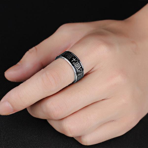 《QBOX 》FASHION 飾品【R100N279】精緻個性黑色經文十字架鈦鋼戒指/戒環