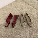 蕾拉 韓風水鉆漆皮方頭淺口粗跟單鞋女2020新款時尚低跟工作女鞋