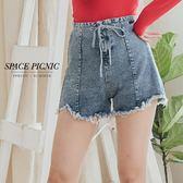 褲子 Space Picnic|現貨.高腰綁腰抽鬚單寧短褲【C18081015】
