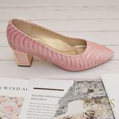 現貨 大尺碼女鞋推薦 波浪公主 尖頭鞋粗跟鞋真皮鞋墊 21.5-26 EPRIS艾佩絲-甜美粉