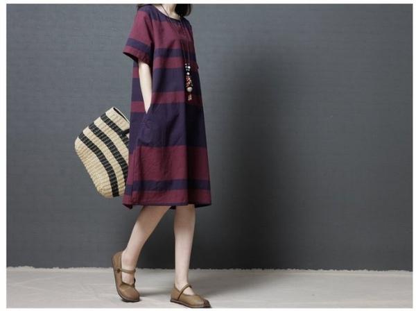 漂亮小媽咪 棉麻短袖洋裝 【D6112】 文藝 短袖 條紋 寬鬆 孕婦裝 孕婦洋裝 加大碼