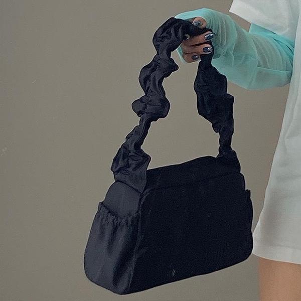 純色簡約尼龍抽褶設計手提包女2021春新款可愛復古法棍單肩腋下包 【夏日新品】