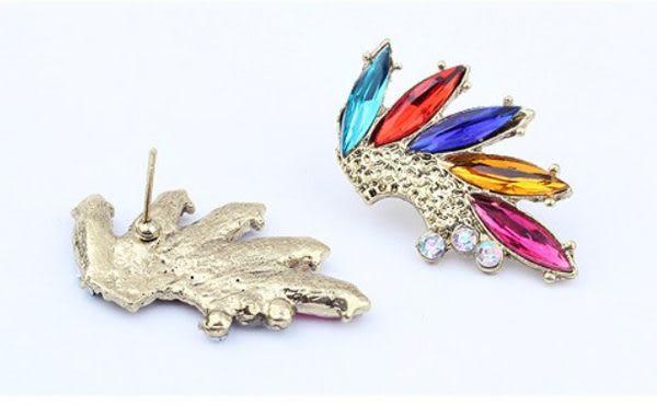 彩色翅膀耳環