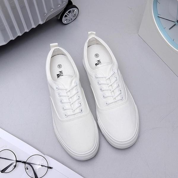 秋季透氣純白色男帆布鞋學生布鞋子休閒低筒板鞋厚底內增高小白鞋【週年慶免運八折】