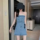 VK精品服飾 韓系磨破一字領腰帶收腰抹胸牛仔無袖洋裝