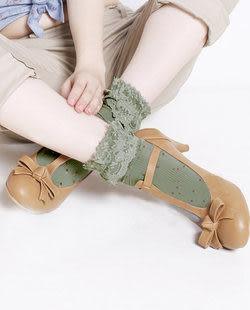 日系彩色點點蕾絲花邊  複古中統襪