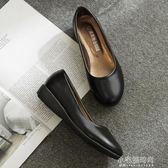 黑色平底工作鞋職業鞋女皮鞋大碼媽媽鞋單鞋軟皮上班鞋必勝客通勤『小宅妮時尚』