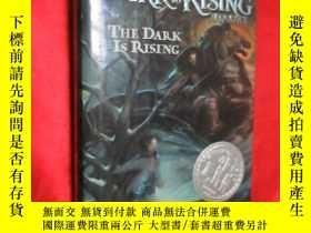 二手書博民逛書店The罕見Dark Is Rising (大32開,硬精裝) 【