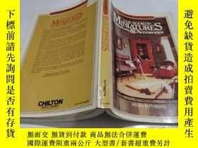 二手書博民逛書店The罕見Book of Miniatures: Furniture and Accessories (The C