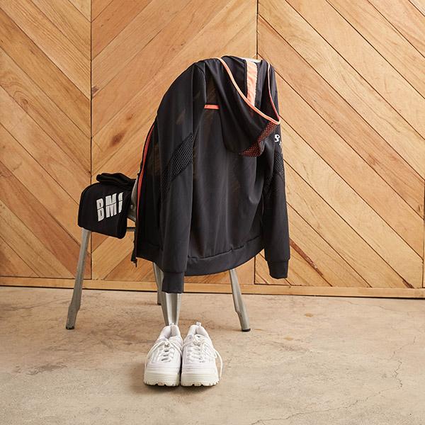 【8:AT 】連帽外套 M-XL(黑)(未滿2件恕無法出貨,退貨需整筆退)