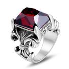 《 QBOX 》FASHION 飾品【RSA647】精緻個性復古寬版鑲紅寶石鑄造鈦鋼戒指/戒環