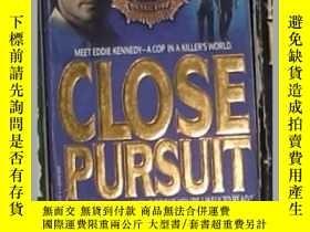 二手書博民逛書店英文原版罕見Close Pursuit by Carsten S