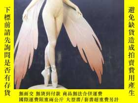 二手書博民逛書店Figures罕見In Fabric The Sculpture of Lisa Lichtenfels 織物雕塑