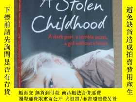 二手書博民逛書店A罕見Stolen Childhood:A Dark past,