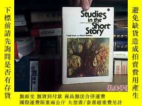 二手書博民逛書店Studies罕見In The Short Story19072
