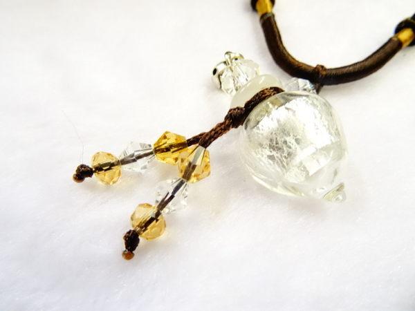 【Ruby工作坊】NO.25W白精油雕花瓶中國結項鍊
