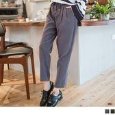 OrangeBear《BA2954》腰圍抽繩反折荷葉打褶造型純色蜜桃絨老爺褲.2色--適 XL~6L