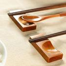 ✭米菈生活館✭【K108】創意木質筷子托 筷架 筷拖 餐桌 勺子架 湯匙 餐具  整潔 實用 手工 木頭