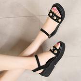 厚底涼鞋 女珍珠坡跟大碼鞋【多多鞋包店】z2043
