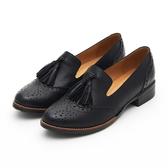 MICHELLE PARK  英倫學院風真皮雕花舒適擦色流蘇牛津鞋黑色